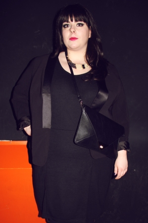 plus-size curvy outfit black dress tubino