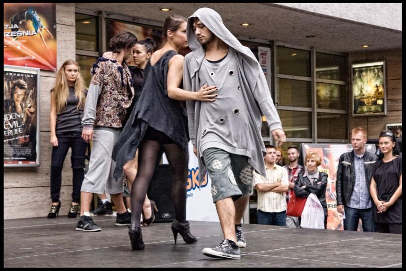 ballerini sfilata di moda danza
