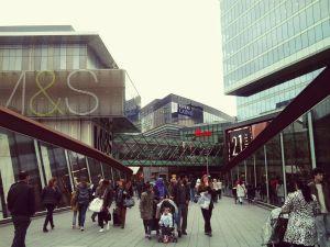 Il centro commerciale Westfield a Stratford, il più grande d'Europa se si comprende l'area commerciale limitrofa